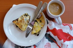 Crispy Kale & Sausage Omelette with Vanilla Buttered Coffee